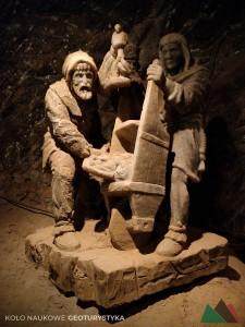 Solne rzeźby w kopalni
